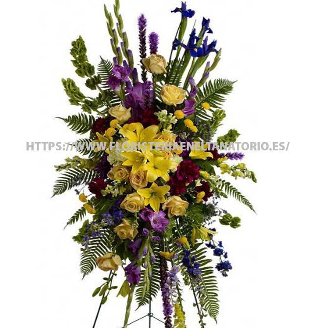 Palma con Lilium, Rosas, Alstroemerias, Liatris e Iris